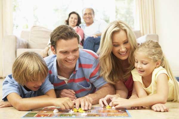 Игры хорошо помогают детям познавать прелести окружающего мира