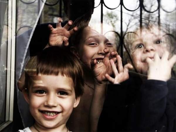 В 2012-м году украинцы усыновили больше 2 тысяч деток