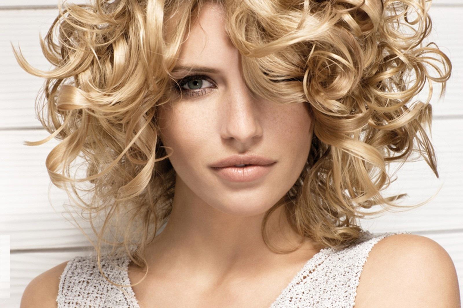 Как укрепить волосы с помощью трав