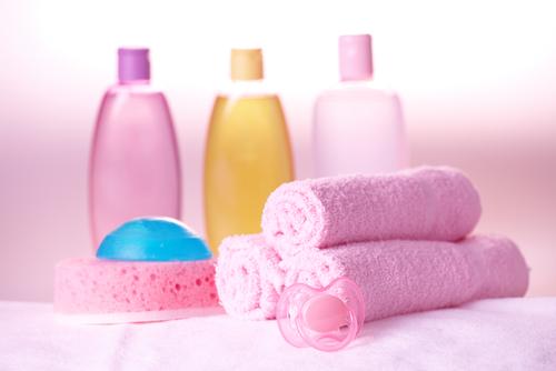 Вооружись детским шампунем, маслом, полотенцем