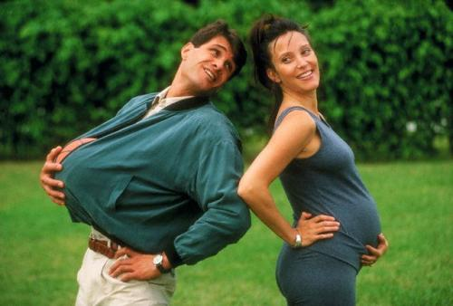 Житель США «забеременел» вместе с любимой