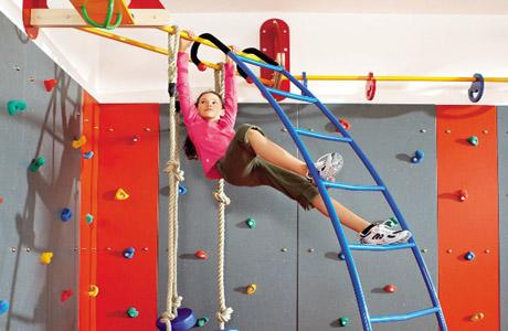 Лазание - самое любимое упражнение всех детей!