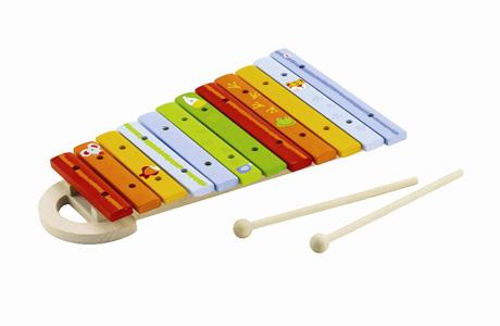 Первый музыкальный инструмент малышу можно подарить уже в годик!