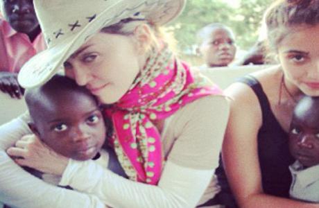 Мадонна усыновит еще одного ребенка?