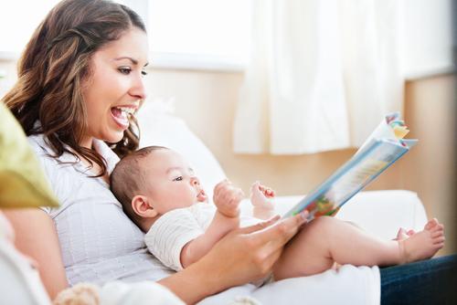 Читай книжки своему малышу