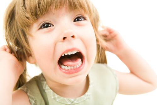 Как себя вести при детской истерике