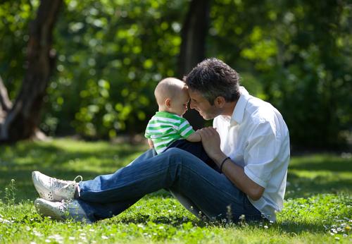 Возраст малыша и роль отца