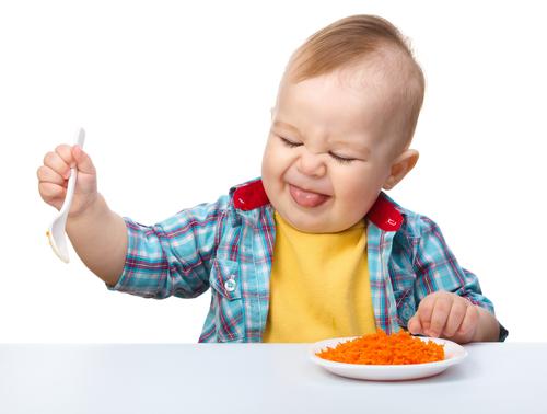 Нытье малыша: лучшие способы с ним справиться