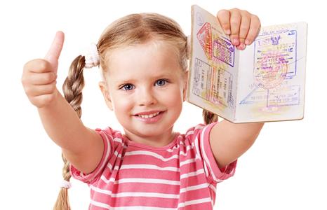 Как оформить документы перед пересечением границы с ребенком?