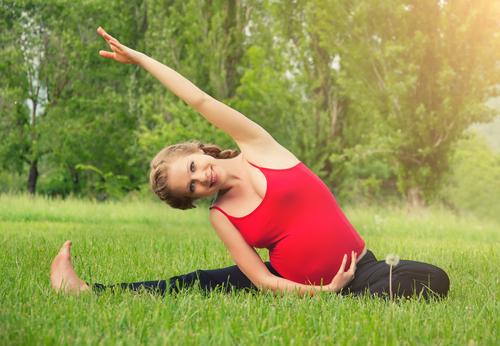 Йога для беременных поможет тебе бросить курить