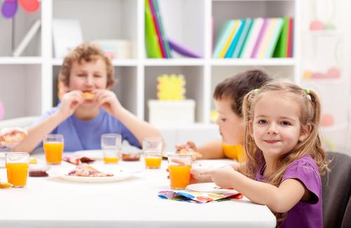 Поведение детей за столом