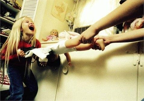 Ребенок может начать скандалить с родителями