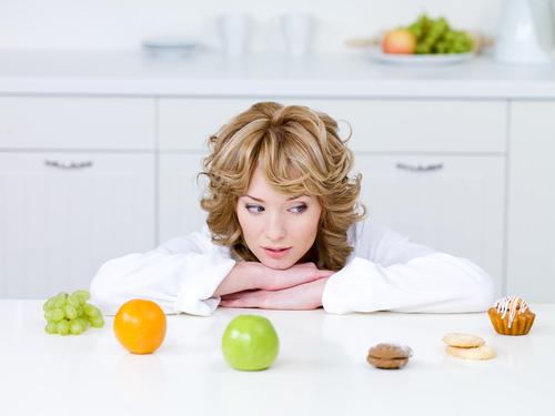 Безопасно ли сидеть на диете во время кормления грудью?