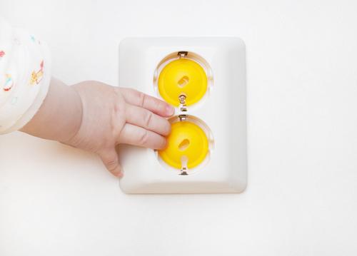 Как сделать дом безопасным для малыша