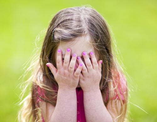 Какие черты характера присущи застенчивому ребенку?