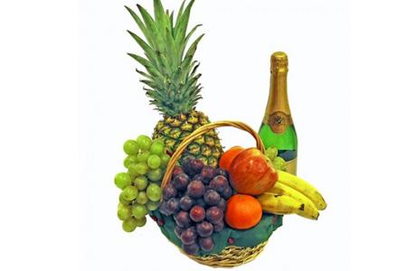 Подарок недели для беременной: корзина с фруктами