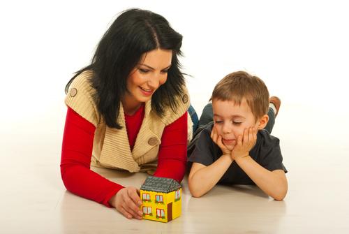 Чем больше слова привязаны к предметам, тем больший словарный запас ребенка