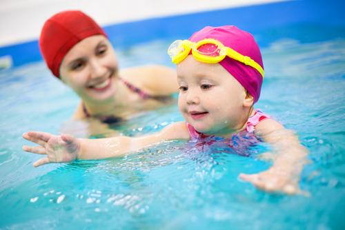 Когда малыш плавает – будь рядом