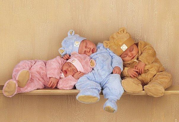 Вегетарианка начала есть мясо и смогла родить тройняшек!
