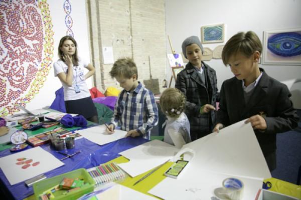 «Арсенал» организовал проект для подростков и детей