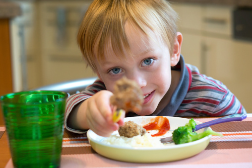 Кушать овощи ребенка приучит правильный питьевой режим