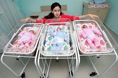 Детей крымчанки, родившей тройню, помогает воспитывать вся Украина