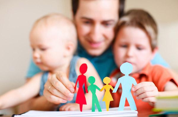 Жители столицы усыновляют сирот в 4 раза чаще, чем иностранцы