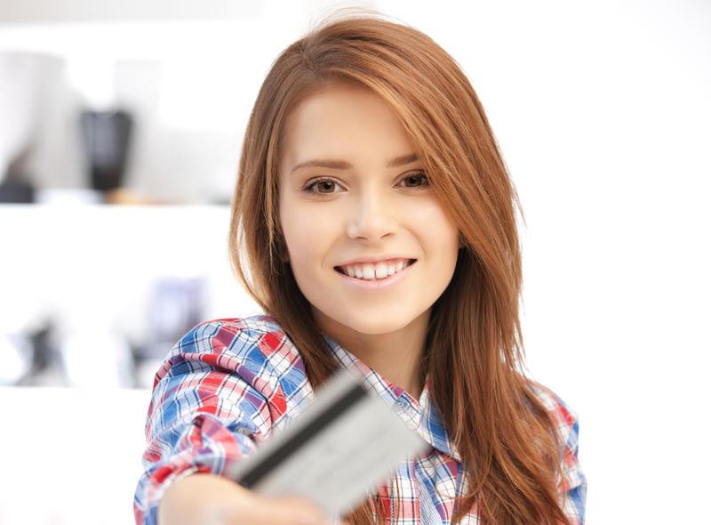 Для детей хотят ввести специальные банковские карточки