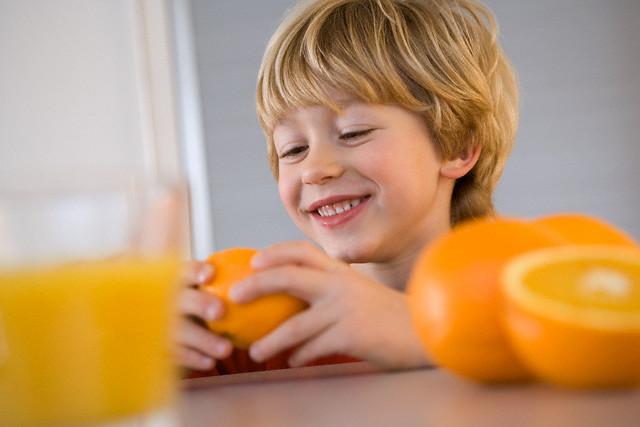 Соки-фреши для детей не так уже и полезны?