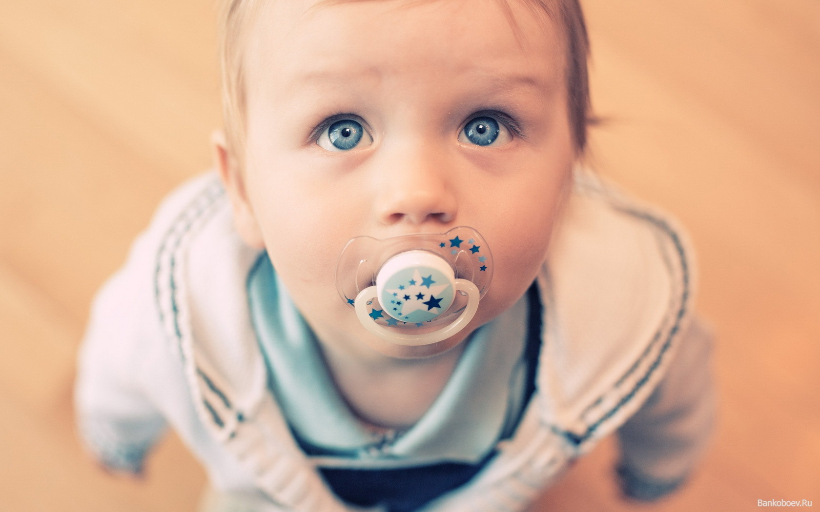 Соска может препятствовать проявлению эмоций у детей