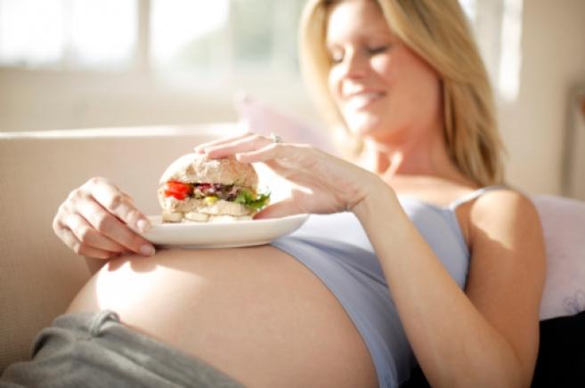 Показатели здоровья малыша зависят от веса мамы во время беременности