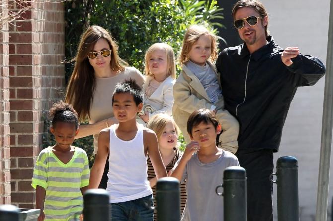 Многодетная мама Анджелина Джоли готовится к пополнению