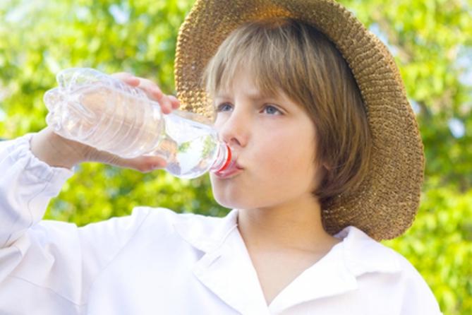 Недостаточное количество выпитой воды за завтраком приводит к обезвоживанию у детей