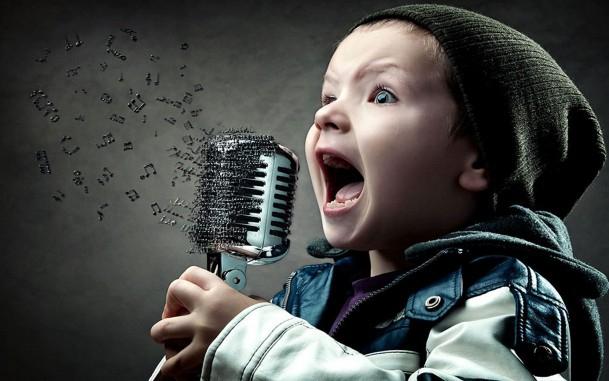 Караоке для детей: Что петь, как петь, и какая от этого польза