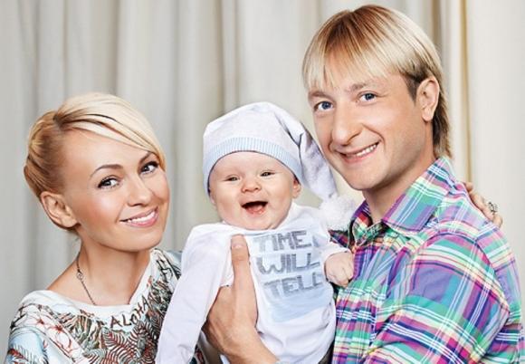 Десятимесячному сыну Яны Рудковской завели страницы в социальных Сетях