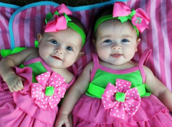 Бюджет на ребенка: Двойняшки обходятся семье в пять раз дороже