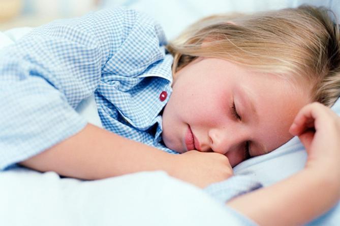 Неполноценный сон негативно влияет на мозг ребенка