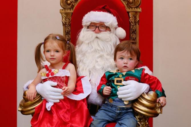 Маленькая россиянка попросила у Деда Мороза Porsche Cayenne