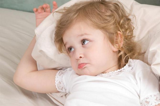Для правильного развития мозга ребенка необходим полноценный сон