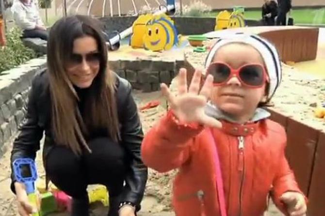 Ани Лорак уже знает, что подарит дочке на Новый год