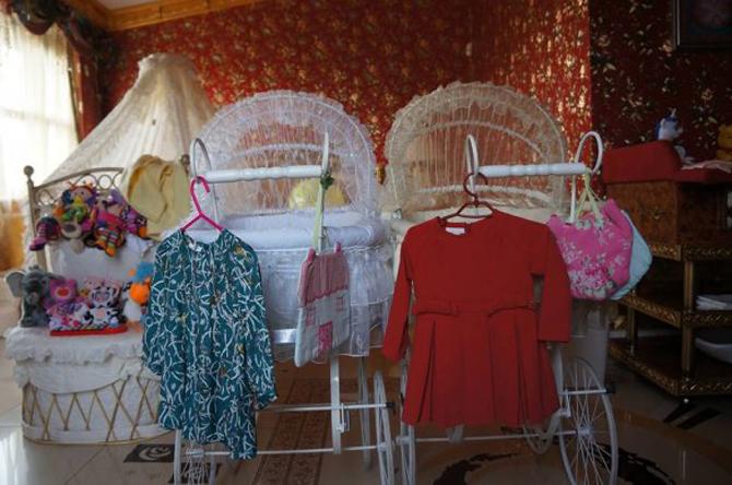 Новые платья дочек Камалии
