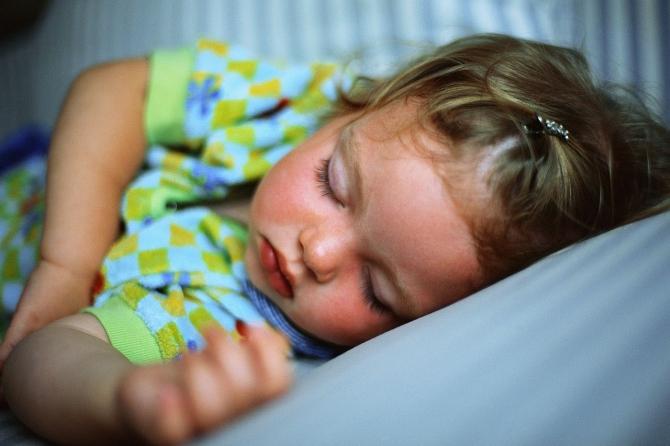 Отличником ребенка делает дневной сон