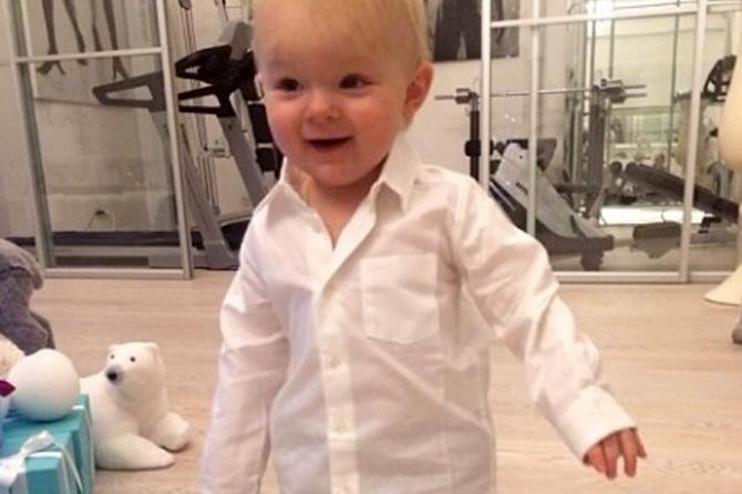 Гном Гномыч любит модно одеваться, как и его мама