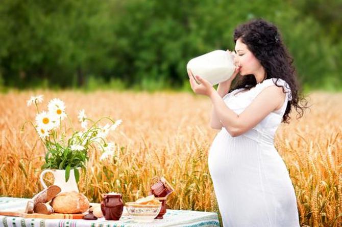 Как беременной обеспечить себя и малыша кальцием?