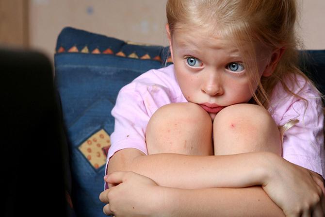 Специалисты МОН решили выяснить, как влияет политический кризис на детей
