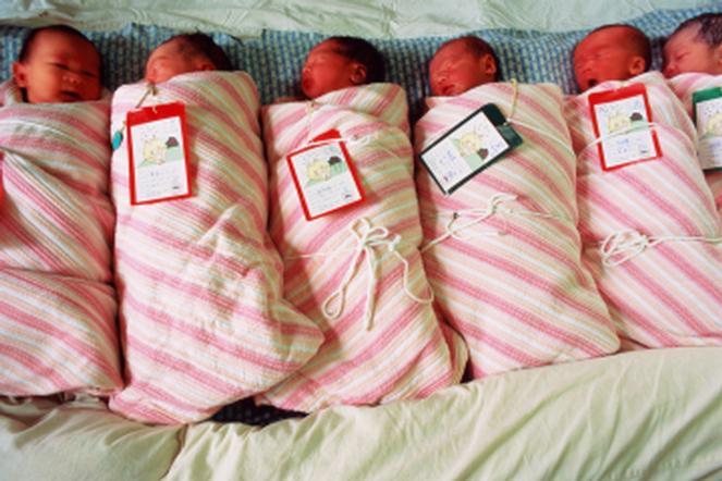 В Китае рождение восьмерых близнецов обошлось в $165 тысяч