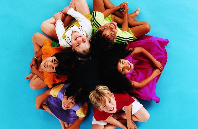 От модного телефонного увлечения у детей заводятся вши