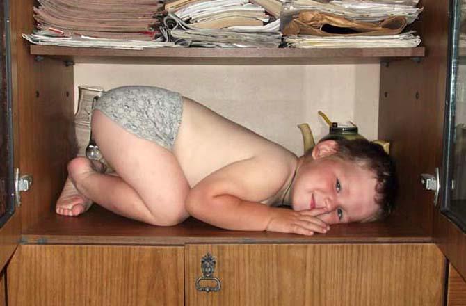 Поиском уснувшего малыша занимались 30 полицейских на вертолете