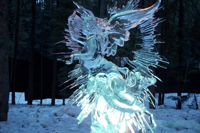 Фестиваль ледовых скульптур в ТРЦ Мануфактура