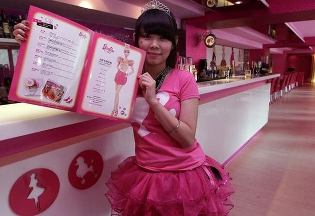 На Тайване открыли ресторан в стиле Барби